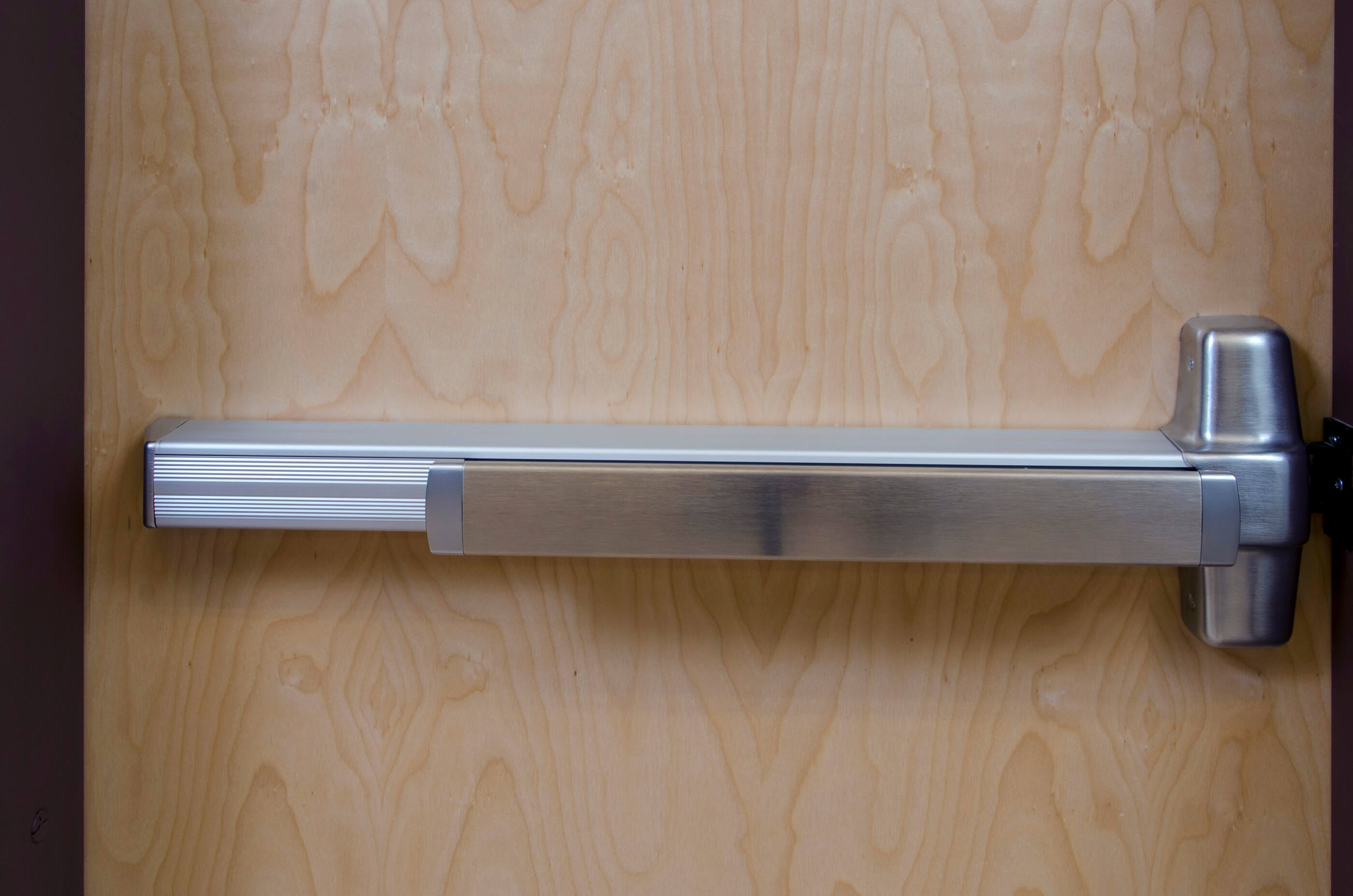 Photo of commercial door panic hardware