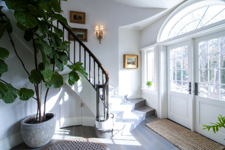 [New Photography] A Colonial-Revival Foyer Featuring A Grand Curved Cooper Preassembled Staircase